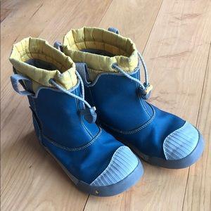 Keens waterproof boots